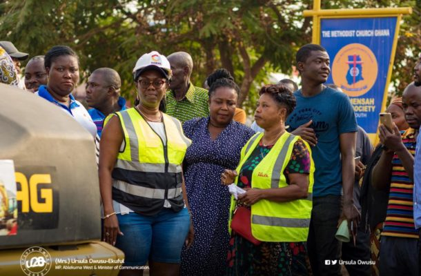 PHOTOS: Ursula Owusu inspects repair works and asphalt overlay on Dansoman roads