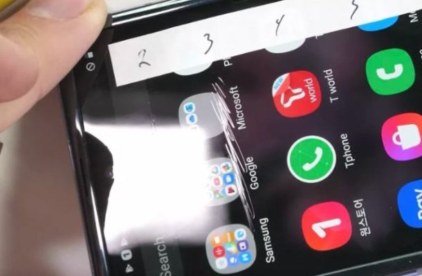 Galaxy Z Flip durability test calls Samsung's Ultra Thin 'Glass' into question