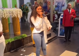 VIDEO: Wendy Shay storms church after kidnap prophecy