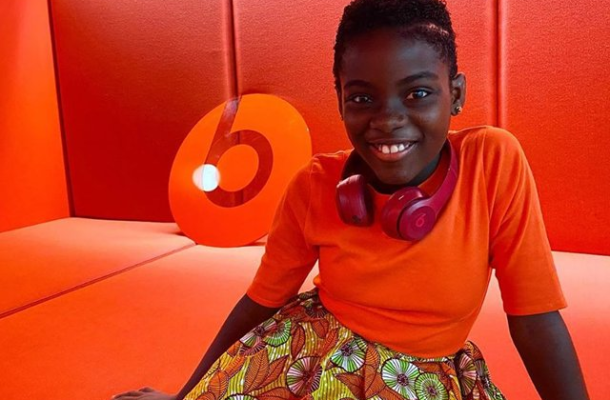 VIDEO: DJ Switch plays Sarkodie's 'Oofetso',  others on Apple's Beats 1 Radio