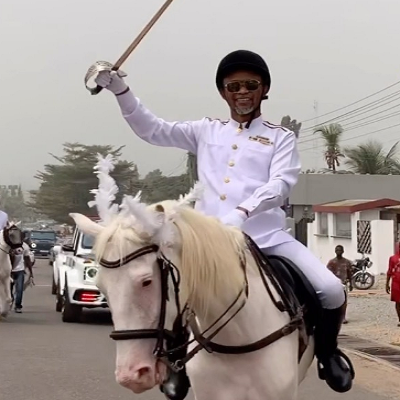 VIDEO: Fadda Dickson attends Despite's son's white wedding riding on a horse