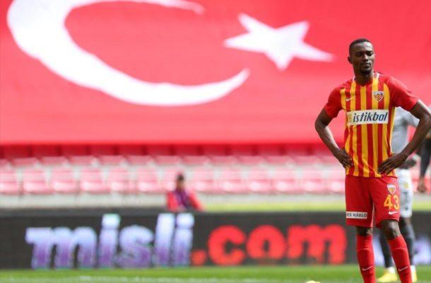 Bernard Mensah apologises for missing a penalty