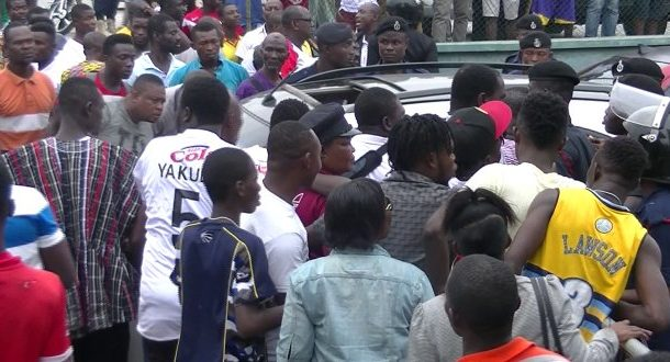 VIDEO: Livid Hearts of Oak fans call for the head of Coach Nii Odoom after Sharks draw