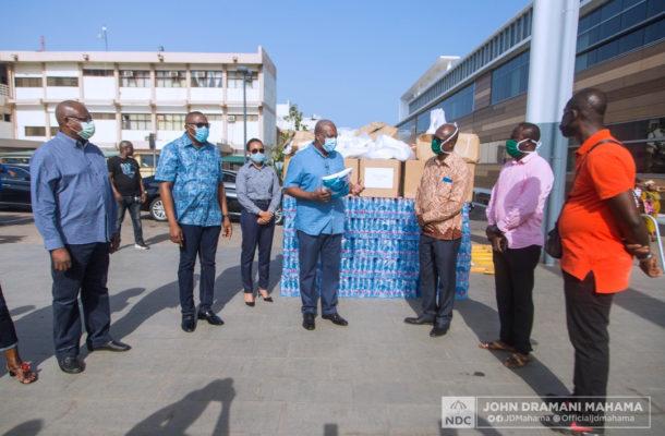 John Mahama donates PPE to Ridge Hospital health workers
