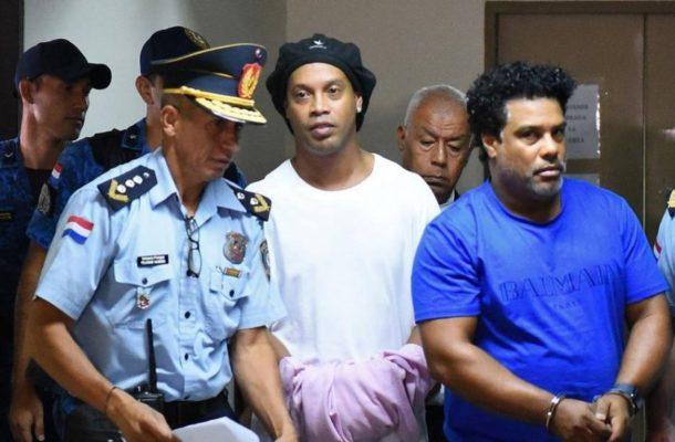 Ronaldinho remains in custody over fake passport claims