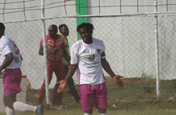 Emmanuel Sarkodie: Hearts of Oak to complete signing of midfielder within 72 hours