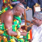 True humility! - Ghanaians unleash blessings on Veep for kneeling to greet Otumfuo
