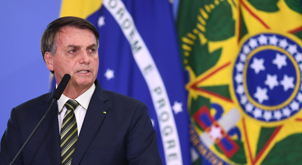 Brazilian president Bolsonaro thinks footballers can't die of coronavirus