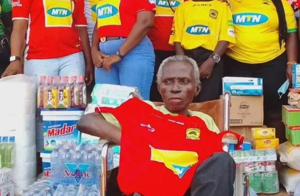 PHOTOS: Kotoko supporters group donate items and cash to fan who paralyzed during ASEC clash in 1992