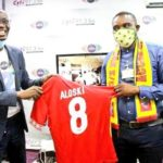 [PHOTOS+VIDEO] Citi FM's Bernard Avle receives branded Hearts of Oak Gifts Jersey from club