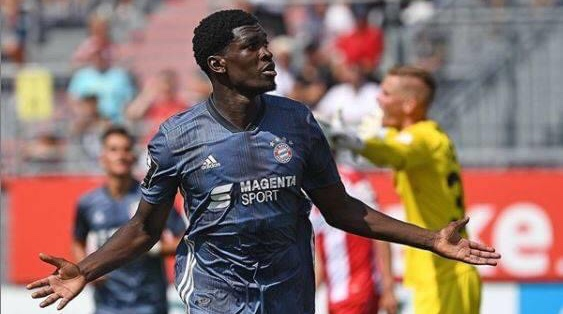 Ghanaian attacker Kwasi Okyere wins Bayern Munich player of the year award