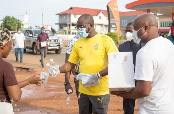 PHOTOS: GFA boss marks birthday with sharing of sanitizers and nose mask