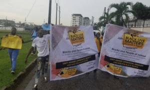 George Floyd: Nigerian protesters defy heavy Lagos rain, march in solidarity with blacks
