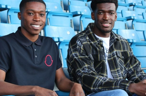 Dutch side  Willem II announce the signing of Ghanaian-German duo