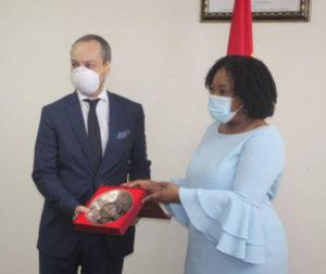 Foreign minister bids Italian ambassador farewell