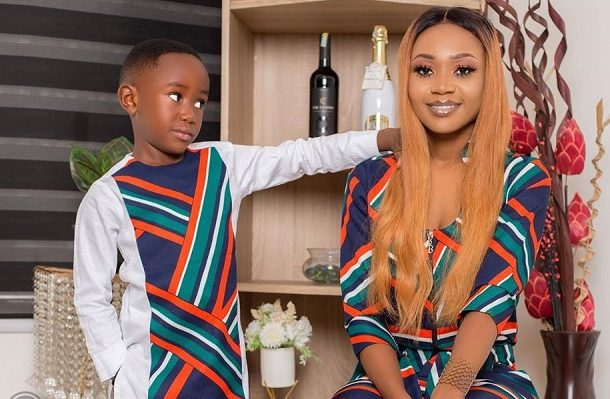 VIDEO: I bath with my son – Akuapem Poloo speaks