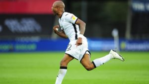 VIDEO: Andre Ayew misses a penalty and scores stunner in Championship playoff