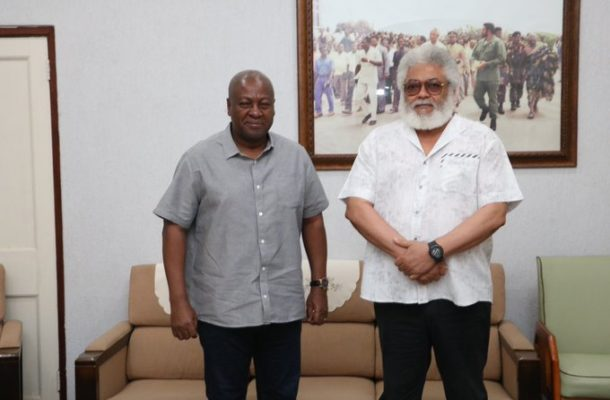 Mahama meets Rawlings for 'warm discussions'