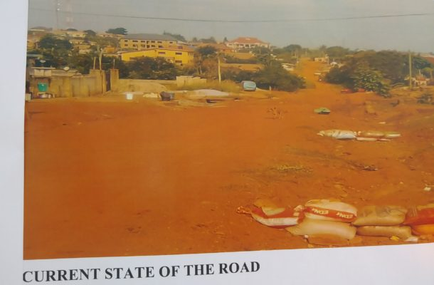 A/R: Gov't cuts sod for the construction of Kokoso-Asubonteng town roads