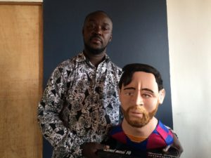 PHOTOS & VIDEO: Talented Ghanaian artist sculpts perfect Lionel Messi effigy