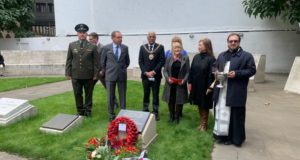 World War II Plaque to Red Army Soldiers Who Died in Leningrad Siege Unveiled in Manchester - Photos
