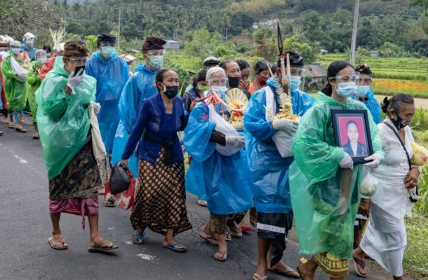 Bali COVID-19 surge blamed on inaccurate rapid tests for visitors