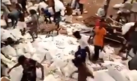 VIDEO: Nigerians loot warehouses full of free Covid-19 relief items
