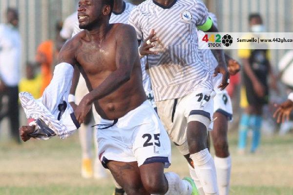 Emmanuel Clottey apologizes for throwing his jersey at Kotoko bench after scoring