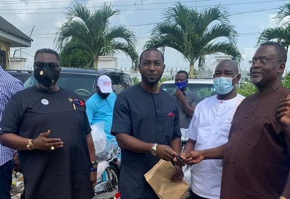 2020 polls: NPP's Kwabena Asamoah donates motorbikes to support Eastern Regional campaign
