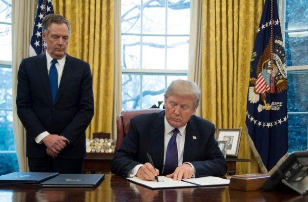 Trump pardons former advisers Stone and Manafort