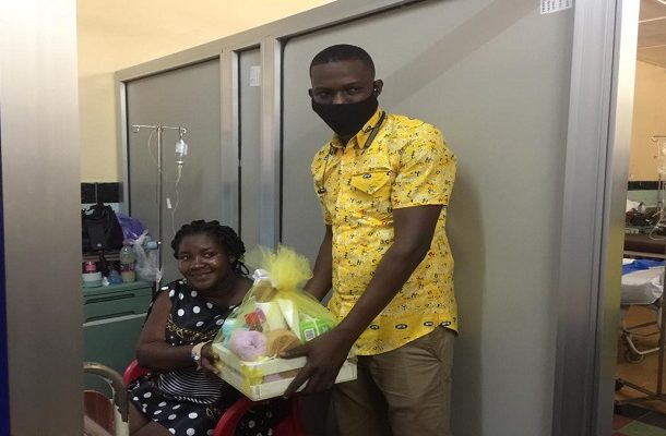 Koforidua: MTN donates hampers to babies born on Christmas Day
