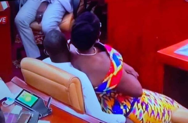 VIDEO: Kwabena Mintah Akandoh explains how Ursula Owusu ended up on his laps