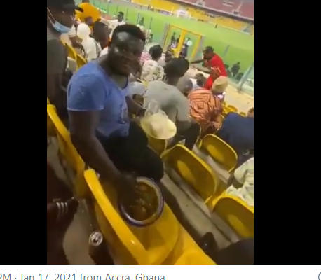 VIDEO: Hearts fan spotted eating Banku with soup in the stadium as his side beat Eleven Wonders