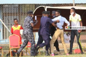 PHOTOS: Why Techiman XI Wonders coach was heckled by Police after his side's defeat to Bechem Utd