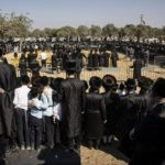 Thousands Attend Rabbi's funeral in Jerusalem, defying lockdown