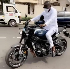 VIDEO: Osei Kwame Despite rides motorcycle in grand style