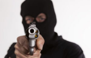 VIDEO: Gunmen shoot couple who exited from Bank in daylight robbery at Takoradi