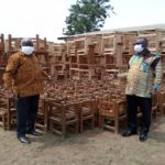 E/R: Schools receive furniture from Fanteakwa South DCE