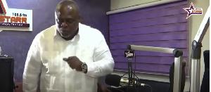 VIDEO: Koku Anyidoho jams to Ampofo Agyei's 'if you do good, you do for yourself' song