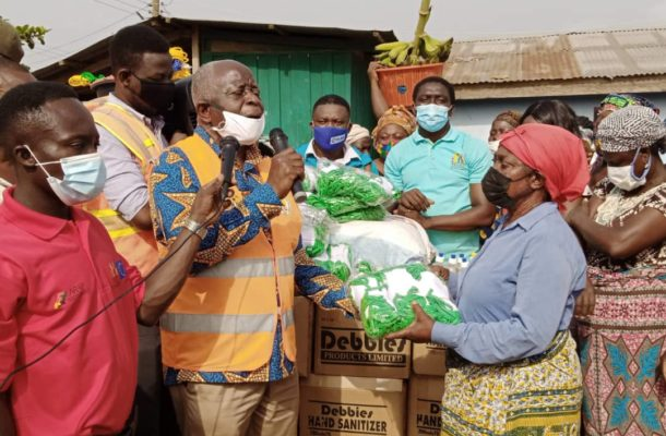 Fanteakwa South DCE donates nose masks, sanitizers to traders
