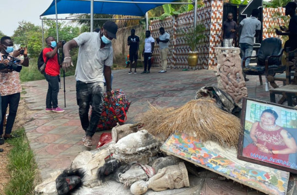 VIDEO: Nana Agradaa burns her gods to prove she has repented