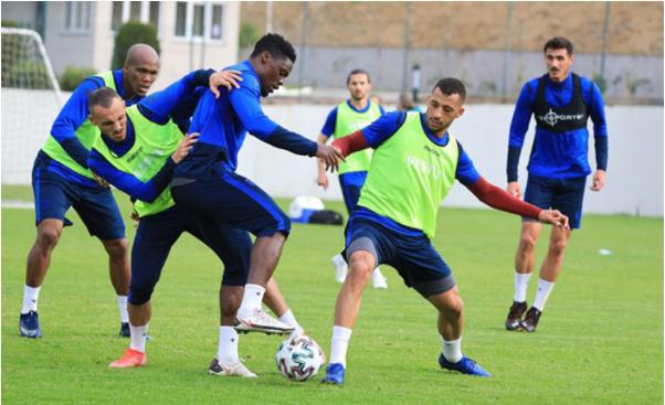 Caleb Ekuban returns to training ahead of Galatasaray match