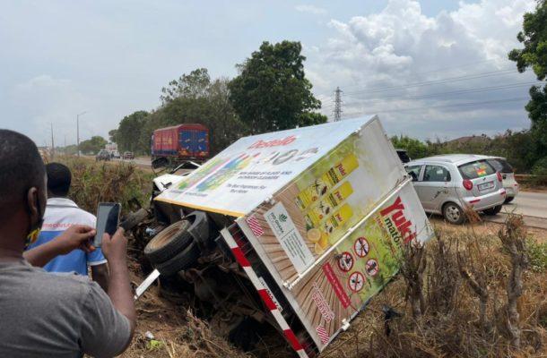 Accident on Tema-Accra motorway; man injured [VIDEO]