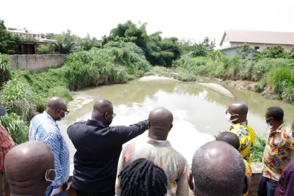 Asenso-Boakye inspects drains in Kumasi