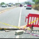 Police fire warning shots as angry youth block Accra-Kumasi highway
