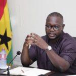 Minister directs MMDAs to demolish illegal structures at waterways