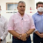 Colombia president helicopter hit by gunfire