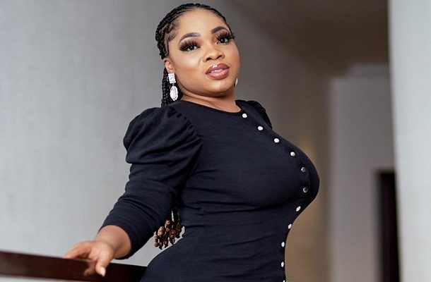 VIDEO: Moesha Boduong weeps as she storms church to confess her sins