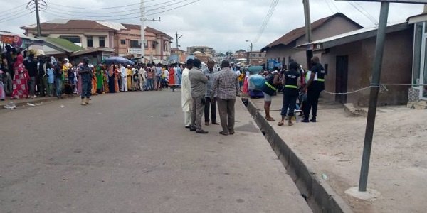 A/R: Young boy hit by a stray bullet during Eid-ul-Adha celebrations