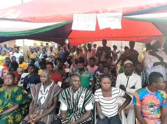 President Mahama visits victims of the Ejura accident